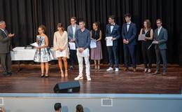Auf den Spuren von Rabanus-Maurus: 88 Abiturientinnen feierlich verabschiedet