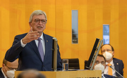 Ministerpräsident Volker Bouffier: Wir möchten die Not lindern