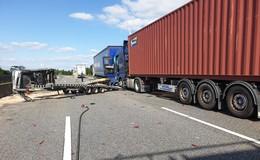 Crash auf der A5 mit vier Fahrzeugen: Rund drei Stunden Vollsperrung