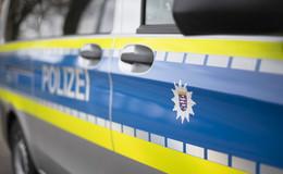 Knapp 60.000 Euro Schaden: Mercedes kommt von Fahrbahn ab