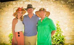 Hüte, Hüte, Hüte am Gartenfest-Stand von OSTHESSEN|NEWS - TAG 2