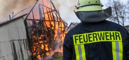 Feuer in Rainrod: Nachbarn erkennen Gefahr und retten Bewohner mit Leiter