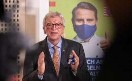 Ministerpräsident Volker Bouffier zufrieden mit den Ergebnissen der Konferenz