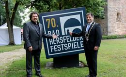 Magistrat verlängert mit Festspiel-Intendant Joern Hinkel bis 2025