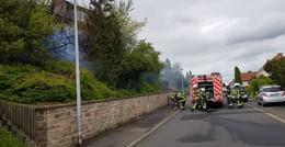 Der Bunsenbrenner war schuld: Böschungsbrand in Eichhofsiedlung