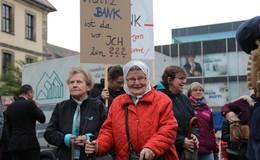 Ehrenberger machen kräftig Rabatz - Protest gegen VR-Bank-Schließung