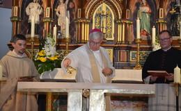 Prozession und Festgottesdienst zur Altarweihe der Pfarrkirche St. Sebastian