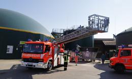 Feuer im Landwirtschaftszentrum Eichhof: Strohlager brennt