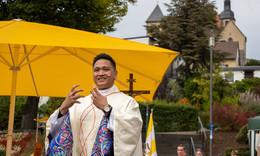 Pfarrer Pasaribu nun offiziell im Amt: Tag der Freude mit 400 Gläubigen