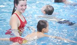 Diese Schwimmtechniken sollte jeder sichere Schwimmer beherrschen