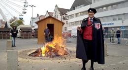 Das Fierche brennt: Zur Unzeit vom Bürgermeister Thomas Fehling entzündet