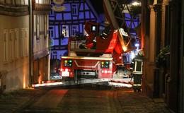Glanzrußbrand in Fachwerkhaus in der Innenstadt