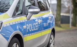 Geplatzter Reifen von Lastwagen beschädigt 28 Fahrzeuge