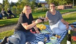Kultur im Grezzbachpark: Literarischer Sommerabend bei bestem Wetter