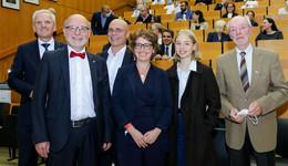 Stehende Ovationen: Professor Behr war 20 Jahre Chef der Neurochirurgie