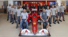Herzlichen Glückwunsch: Autohaus-Team für herausragende Leistungen belohnt