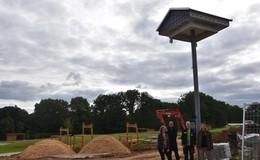Neues Artenschutzhaus im Tiergarten bietet Nistplätze für Schwalben & Co