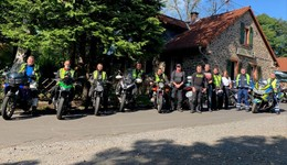 Gemeinsam auf Tour: Polizei Osthessen lehnt sich mit Bikern sicher in die Kurve