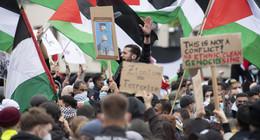 Feuerzeuge als Wurfgeschosse: Polizei löst pro-palästinensische Demo auf