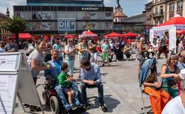 75 Jahre AWO-Kreisverband: Gut besuchter Aktionstag auf dem Uniplatz