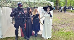 Was ein Spektakel! Fantasy-Festival Annotopia im Schlosspark lockt Besucher