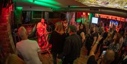 BBC Rock spielt zur Eröffnung der Kellerbar in Hohmanns Brauhaus