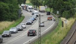 Folgen des schweren Unfalls auf der A4: Umleitungsstrecken total überlastet