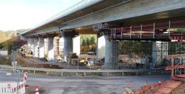 Talbrücke Langenschwarz: Abriss und Neubau des östlichen Teilbauwerks