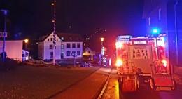 So ein Pech: Kirmesbaum ruft Feuerwehr auf den Plan