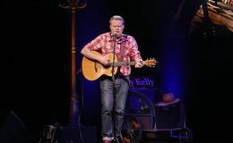 Vom Straßenmusiker zum Star: The Streetkind Jimmy Kelly im Museumshof