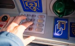 Geldautomatensprengung in Bankfiliale: Täter flüchten mit Audi auf die A5