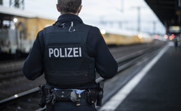 Sexuelle Belästigung einer Minderjährigen in Cantus-Bahn