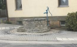 Brunnenschacht bei Ausbau der Ortsdurchfahrt Sargenzell wiederentdeckt