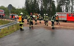 Unfall auf der A4: Lkw verliert rund 600 Liter Diesel - Reinigungsarbeiten beendet