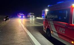 Nach schwerem Crash auf der A4: Lkw-Fahrer verursacht Unfall und flüchtet
