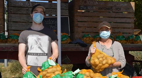 Kartoffeln, Käse und Co - antonius veranstaltet Nachhaltigkeitsmarkt