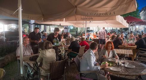 Mehr Hilfe für Gastronomen! CDU will Außenbewirtung bis 24 Uhr zulassen